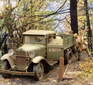 35124 GAZ-AA CARGO TRUCK 1.5t TRUCK + 35137 PUSHING SOVIET SOLDIERS + Roy Wells