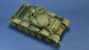37002 T-44M SOVIET MEDIUM TANK + Igor