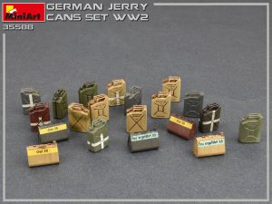 Photos 35588 Deutsche Benzinkanister Set WW2
