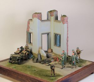 36028 VILLAGE DIORAMA w/FOUNTAIN + Joe Hudson