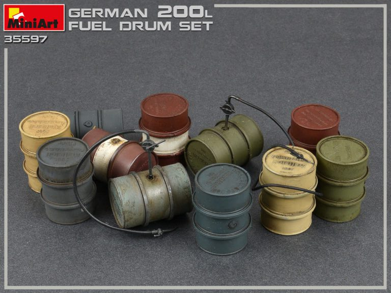 35597 GERMAN 200L FUEL DRUMS WW2