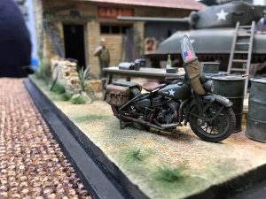 35080 U.S. WW II Motorcycle WLA + 35507 FRENCH FARMYARD
