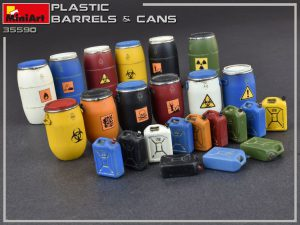 Photos 35590 PLASTIC BARRELS & CANS