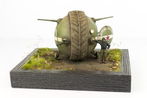 "40001 SOVIET BALL TANK ""Sharotank"" INTERIOR KIT + 35254 SOVIET TANK CREW (for Flame Tanks & Heavy Tanks of Breakthrough) + Andy Moore"