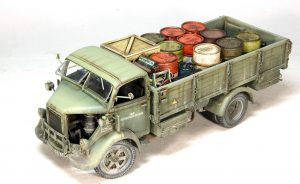 35597 GERMAN 200L FUEL DRUMS WW2 + 35592 U.S. FUEL DRUMS 55 GALS. + 35591 FIELD WORKSHOP + 35588 GERMAN JERRY CANS SET WW2 + 35587 ALLIES JERRY CANS SET WW2 + 35581 WOODEN BOXES & CRATES + Alexander Pedan