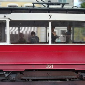 38009 EUROPEAN TRAMCAR (StraBenbahn Triebwagen 641) w/CREW & PASSENGERS + Richard Weston (richardweston12)