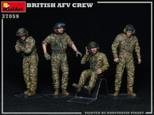 Photos 37059 BRITISH AFV CREW
