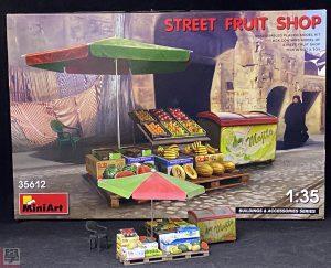 35612 STREET FRUIT SHOP + Leo Lam