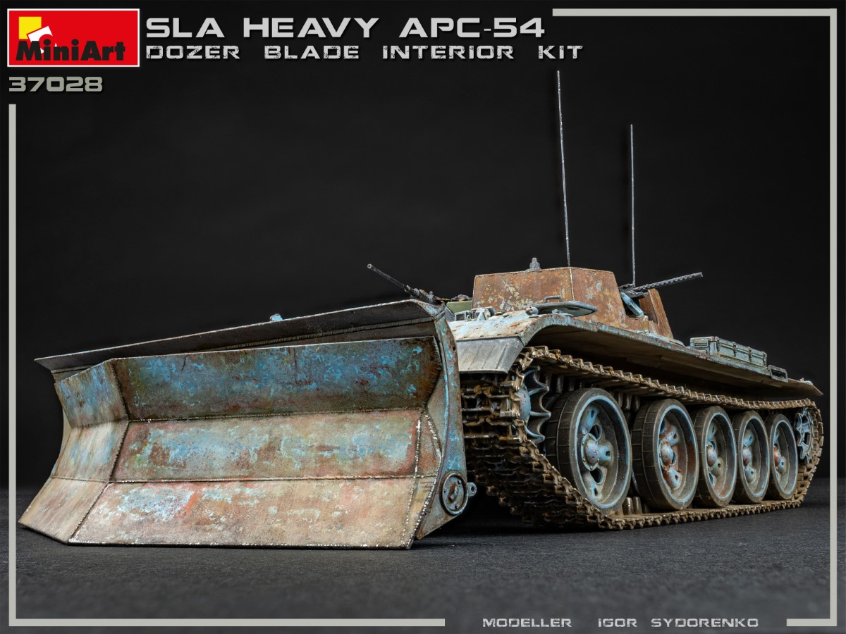 New Photos of Kit: 37028 SLA APC T-54 w/DOZER BLADE. INTERIOR KIT
