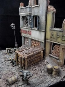 36036 DIORAMA WITH RUINED BUILDINGS + MartinGiangrecodioramics
