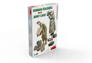 35286 GERMAN SOLDIERS WITH JERRY CANS + Konstantin Pinaev