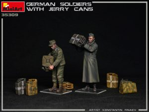 Photos 35286 GERMAN SOLDIERS WITH JERRY CANS
