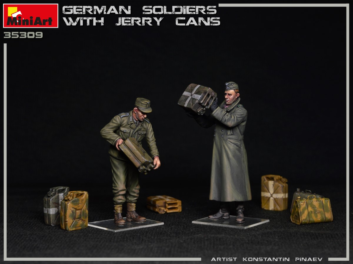 New Photos of Kit: 35286 GERMAN SOLDIERS WITH JERRY CANS