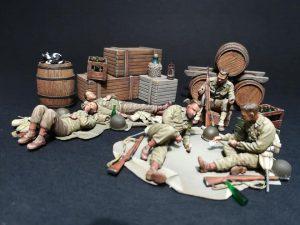 35200 U.S. SOLDIERS AT REST + Giampiero Bianchi