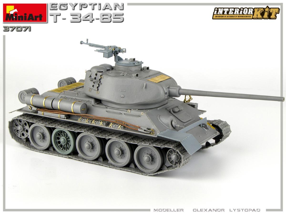 Build Up of Kit: 37071 EGYPTIAN T-34/85. INTERIOR KIT