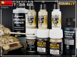 Build up 37071 EGYPTIAN T-34/85. INTERIOR KIT