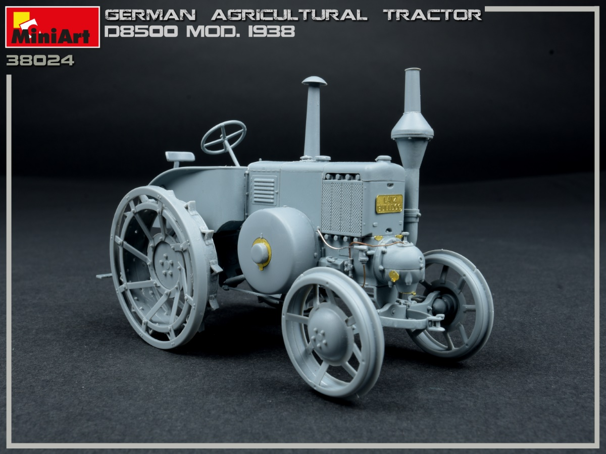 Build Up of Kit: 38024 GERMAN AGRICULTURAL TRACTOR D8500 MOD. 1938