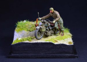 35182 U.S. SOLDIER PUSHING MOTORCYCLE