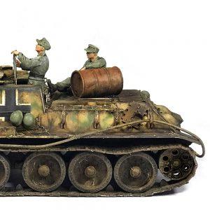 35229 Jagdpanzer SU-85 (r) w/CREW