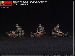 Photos 35266 GERMAN INFANTRY AT REST