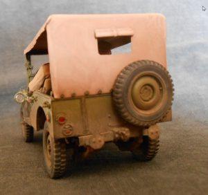 35048 SOVIET COMMAND CAR w/CREW + Dvagrom
