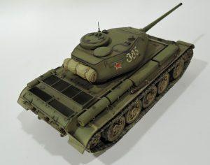 35193 T-44 SOVIET MEDIUM TANK + Abdul