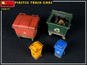 Photos 35617 PLASTIC TRASH CANS