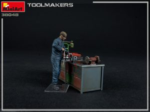 Photos 38048 TOOLMAKERS