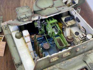 35204 SU-85 SOVIET SELF-PROPELLED GUN Mod. 1944 EARLY PRODUCTION. INTERIOR KIT 35261 SOVIET AMMO BOXES w/SHELLS Won Beom Lee