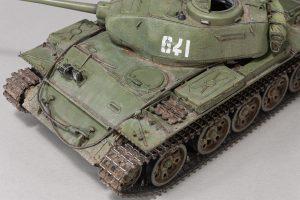 37002 T-44M SOVIET MEDIUM TANK + Maxim Shishko