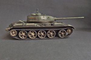 37002 T-44M SOVIET MEDIUM TANK + Nikolay Udovichenko