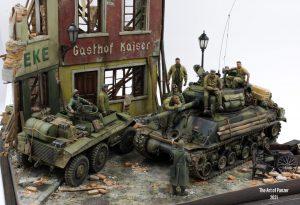 36038 RUINED GERMAN HOUSES w/BASE + 35548 FURNITURE SET + 35560 STREET LAMPS & CLOCKS +The Art Of Panzer