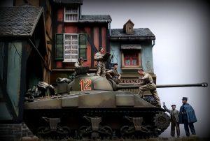 38037 FRENCH CIVILIANS '30-'40s. RESIN HEADS + 35078 BRITISH TANK CREW + Peter de Haan