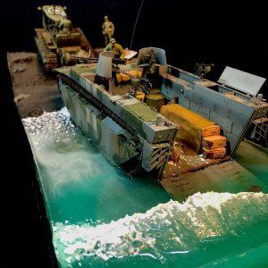 Clyde Chestnut+ 35225 U.S. TRACTOR w/Towing Winch & Crewmen + Clyde Chestnut