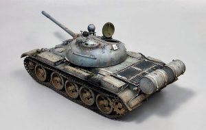 37027 T-55 SOVIET MEDIUM TANK + Alexander Fomin