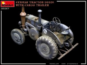 Build up 35317 GERMAN TRACTOR D8506 WITH CARGO TRAILER