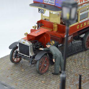 38021 LGOC B-TYPE LONDON OMNIBUS 38006 GERMAN SITTING CIVILIANS '30s-'40s  _mr.alex_hobby_