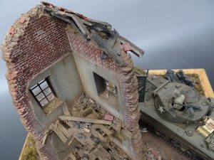 36021 DIORAMA w/NORMANDY HOUSE + Robbo Roberts