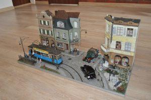 38009 EUROPEAN TRAMCAR (StraBenbahn Triebwagen 641) w/CREW & PASSENGERS 38015 GERMAN CIVILIANS 1930's-1940's 38037 FRENCH CIVILIANS '30-'40s. RESIN HEADS 38036 PIGEONS 35571 WINE BOTTLES & WOODEN CRATES 35559 HOUSEHOLD CROCKERY & GLASS SET Marek Widera