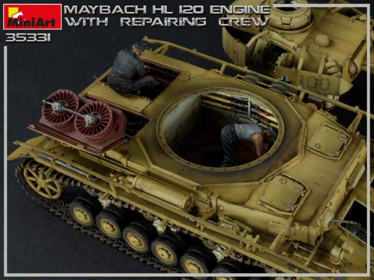 35331 MAYBACH HL 120 ENGINE FOR PANZER III/IV FAMILY WITH REPAIR CREW