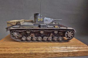 35213 Pz.Kpfw.III Ausf. D/B + Nikolay Udovichenko